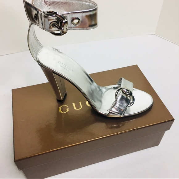 e279d92356f Gucci Shoes - Auth GUCCI horseshoe buckle mirror silver heels